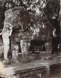 Stone elephant near the Palace, Delhi